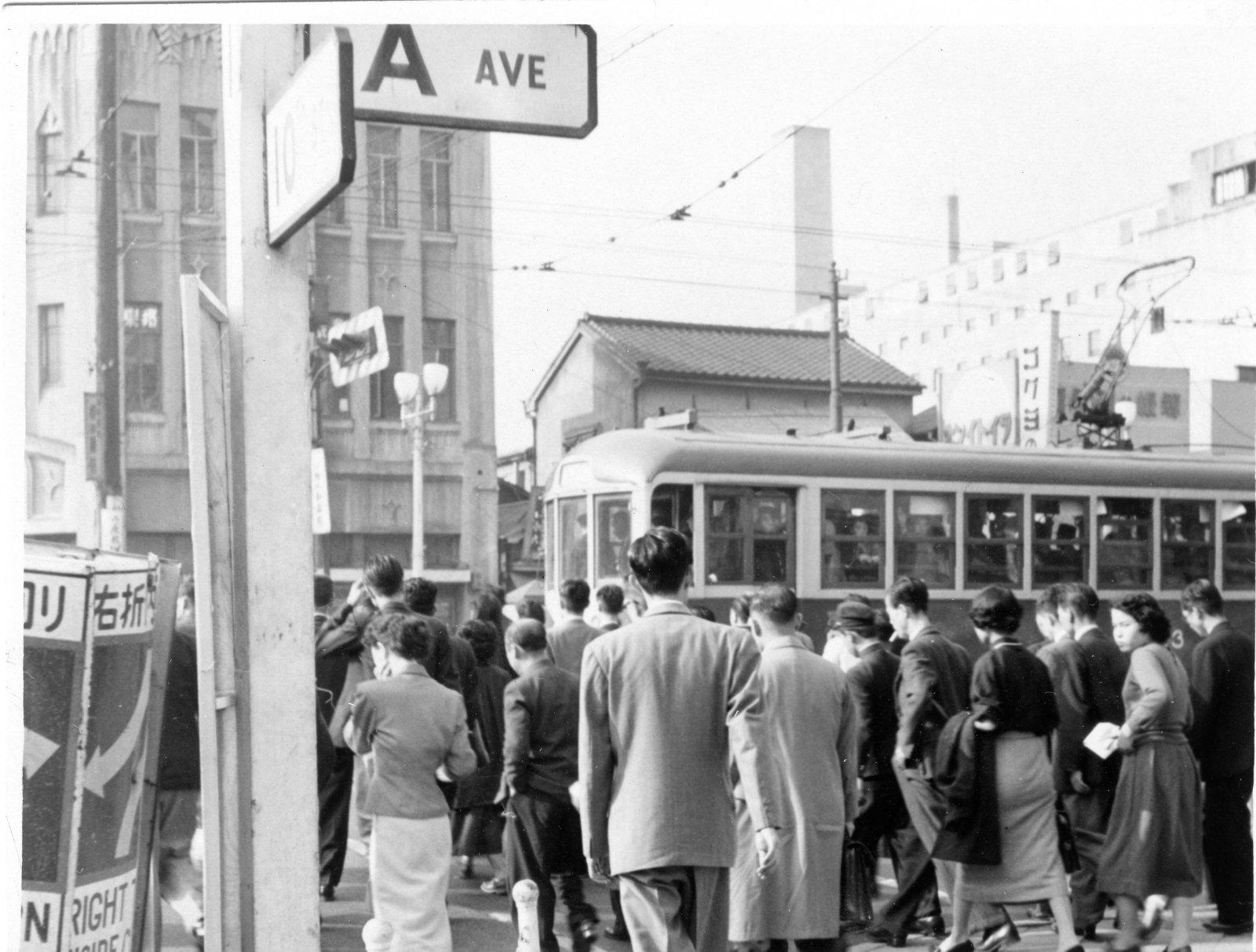shimbashi tokyo japan streetcar 1955 the tokyo files 東京ファイル