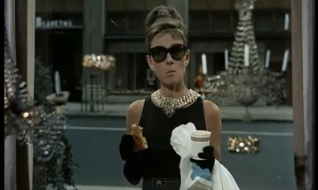 Audrey Hepburn - Breakfast at Tiffanys opening scene eating