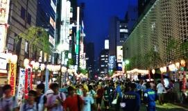 Hot night in Shimbashi 1 crowds