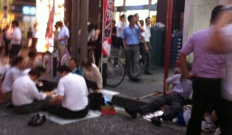Hot night in Shimbashi old people eat