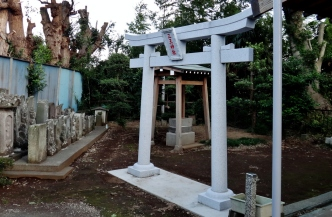 4. Tiny shrine in Chiba