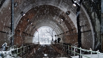 5 - Atago tunnel snow day Tokyo
