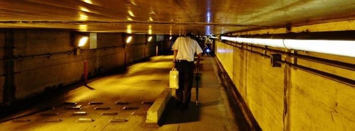 Shinagawa tunnel man ducking cropped