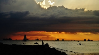 Manila bay sunset clouds boats