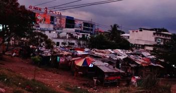 Manila shantytown dusk