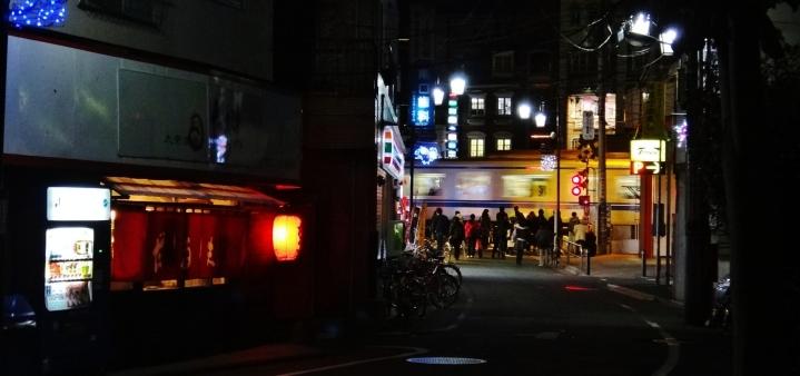 Numabukuro train crossing