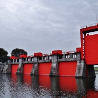 Splashing around Tokyo's water infrastructure