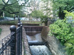 Kuji ento-bunsui outflow stream