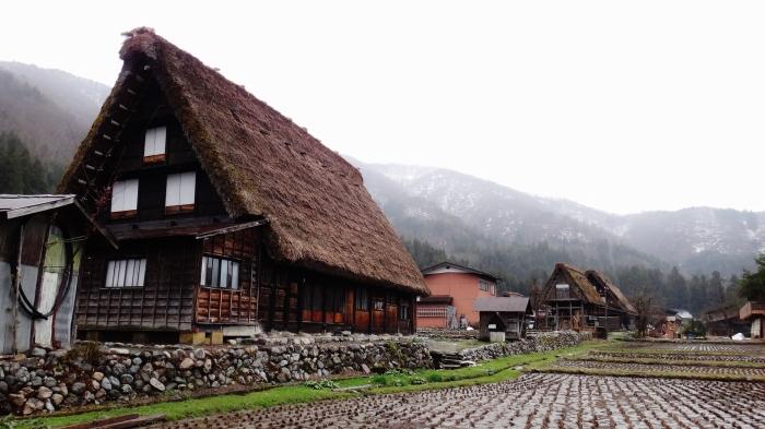 Shirakawa gassho zukari steep thatched roof