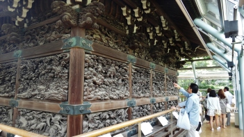 Shibamata Taishakuten temple wood carving glass