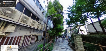 shinjuku-promenade-park-tree-lined-path-former-train-face-north