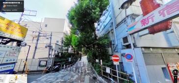 shinjuku-promenade-park-tree-lined-path-former-train-face-south