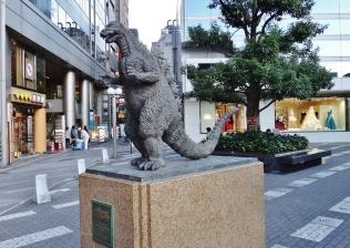 hibiya-chanter-square-godzilla-statue-tokyo-yurakucho