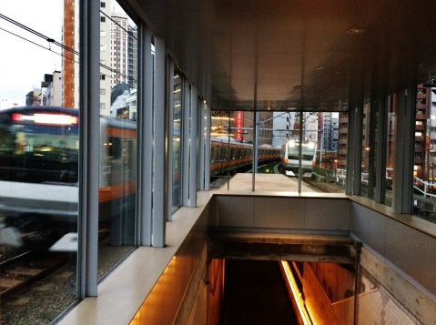 Manseibashi Tokyo train watching place